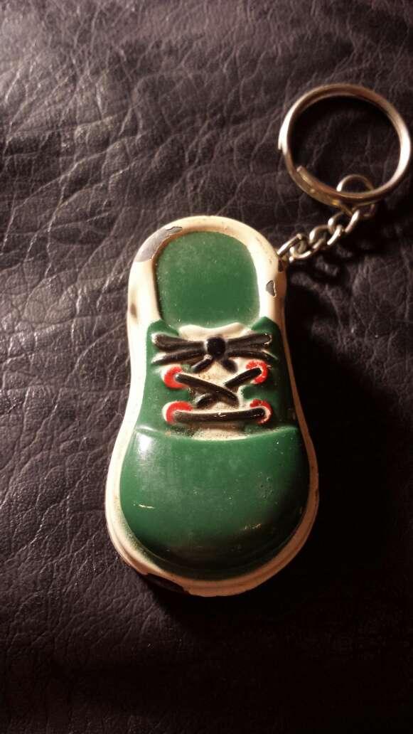 Imagen producto Llavero zapatilla  2