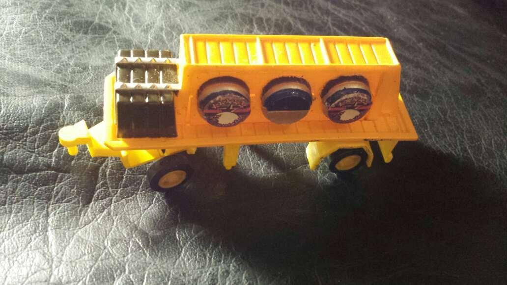 Imagen remolque camión juguete