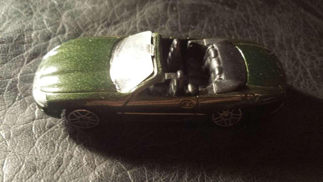 Imagen coche verde metalizado