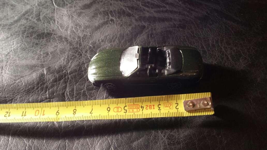 Imagen producto Coche verde metalizado  4