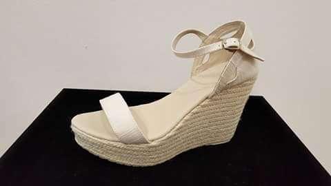 Imagen Zapatos cuñas de novia nuevas
