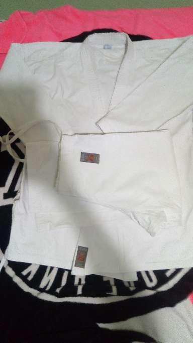Imagen Karategui - Kimono de Karate 1.80 cm.