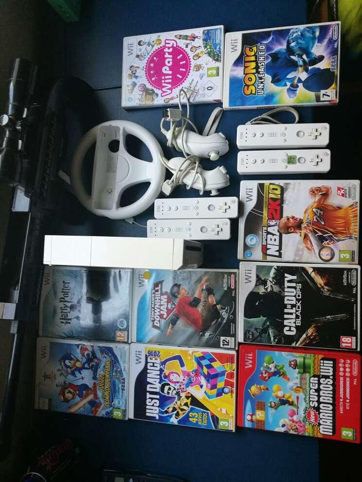Imagen Wii con juegos y complementos