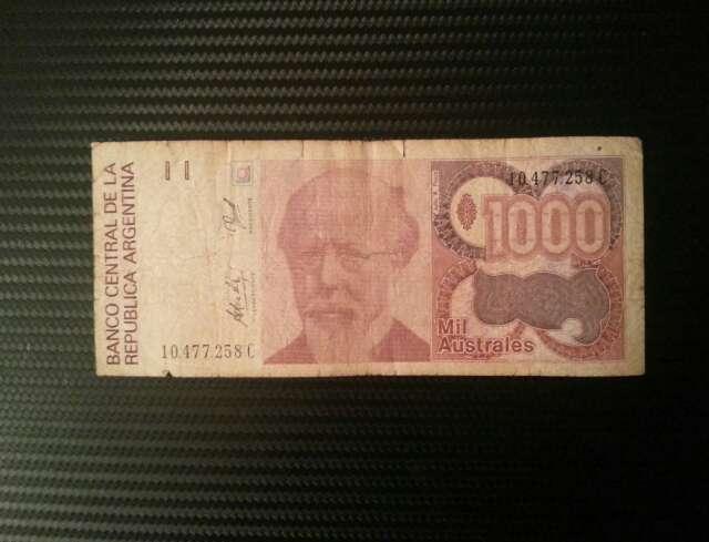 Imagen billetes antiguo y moderno