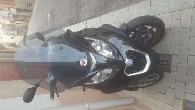 Imagen piaggio mp3 500cc