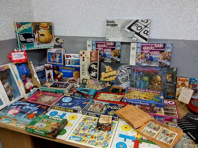 Imagen colección de juegos de época