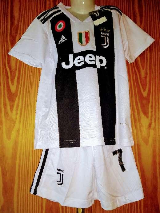 Imagen Equipaciones niños Juventus Turin temporada 2019
