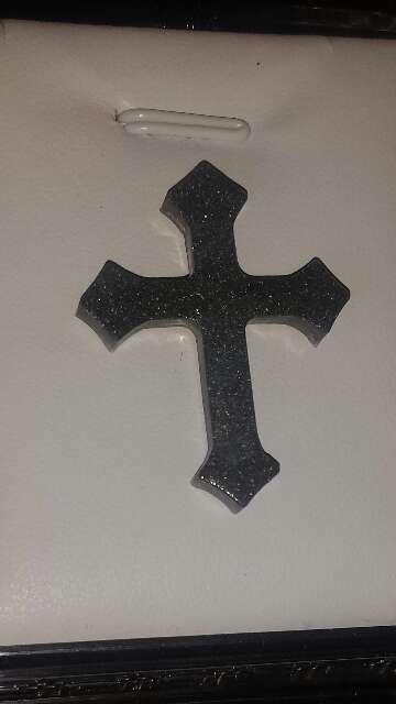 Imagen producto Cruz con polvo de meteorito metálico  5
