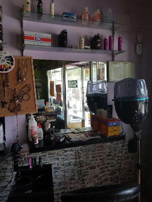 Imagen se traspasa peluqueria funcionando
