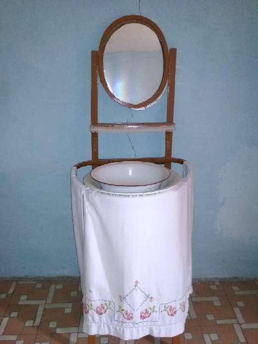 Imagen Palanganero o lavabo antiguo