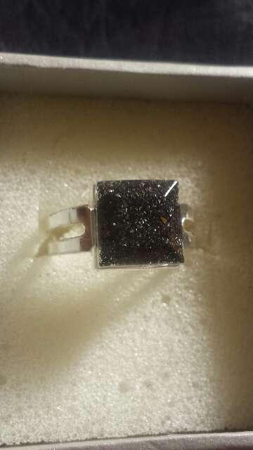 Imagen producto Anillo polvo de meteorito cuadrado  2