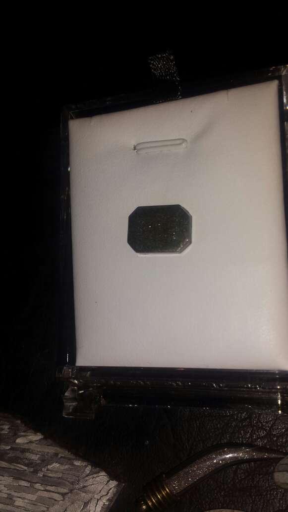 Imagen producto Polvo de meteorito en forma esmeralda 5