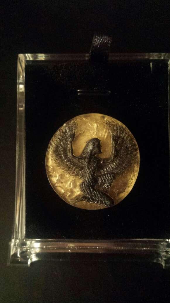 Imagen producto Diosa Isis en meteorito  9