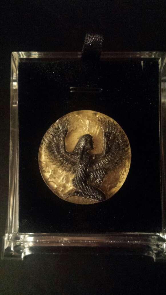 Imagen producto Diosa Isis en meteorito  8