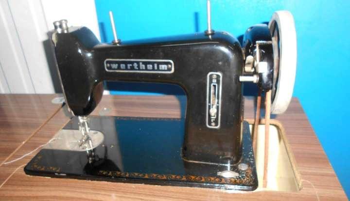 Imagen producto Maquina de coser wertheim 4