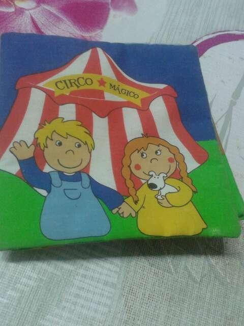 Imagen producto Libro de tela Circo Mágico 1