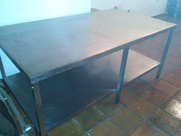 Imagen mesa trabajo industrial hostelería