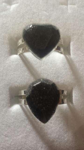 Imagen pareja de anillos de polvo de meteorito
