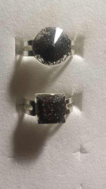 Imagen producto Pareja de anillos de polvo de meteorito  6