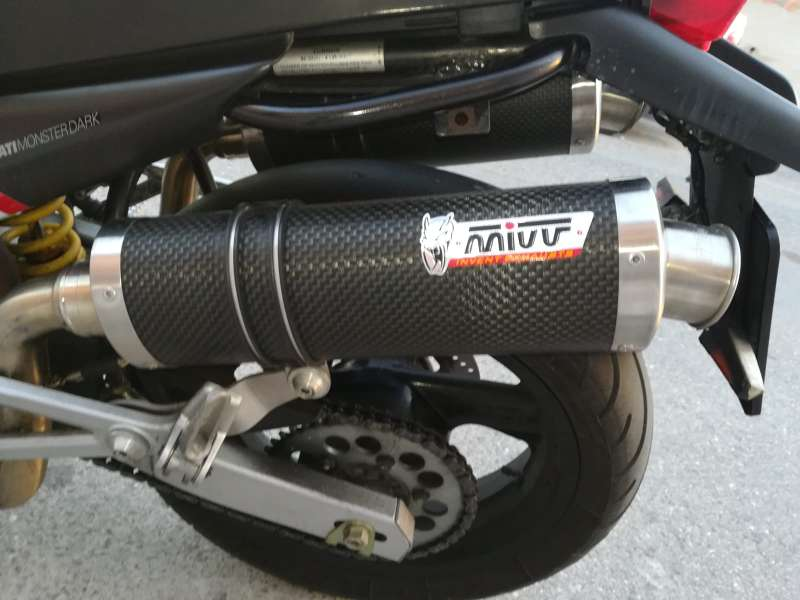 Imagen producto Ducati monster 600 dark 6