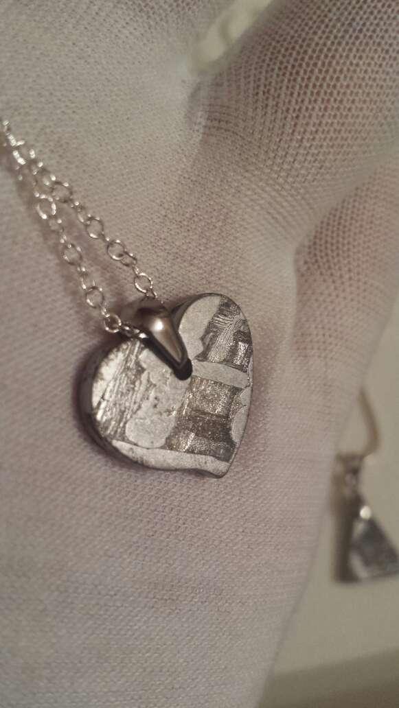 Imagen producto 1 colgante de meteorito o rubí a elegir  3