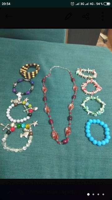 Imagen Collar y pulseras