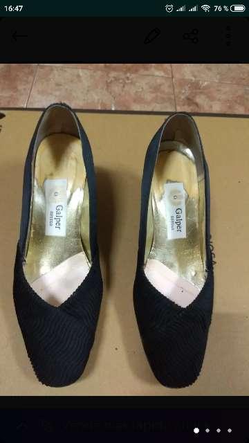 Imagen zapatos negros de vestir o fallera
