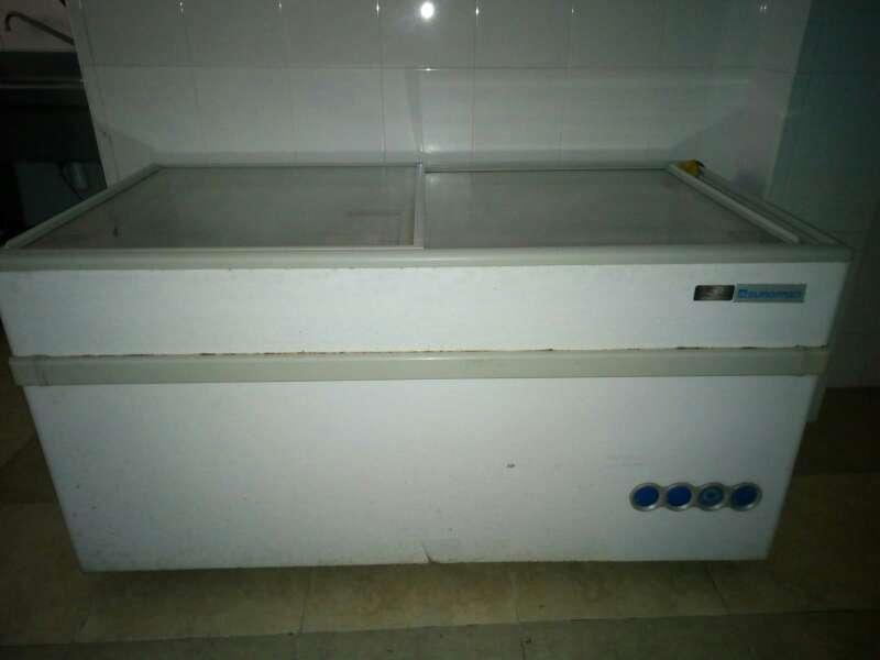 Imagen producto Cámara frigorífica, báscula, y congelador. 10