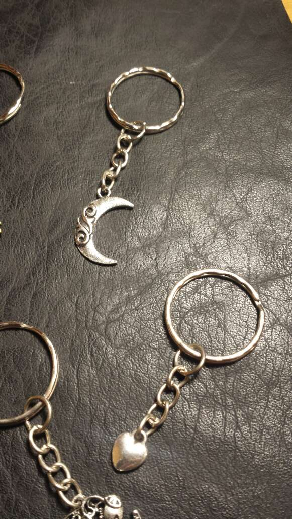 Imagen producto Lote N 9 llaveros 6 piezas  3