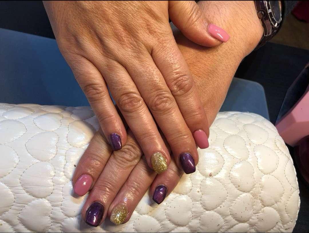 Imagen Extensiones de pestaña y uñas