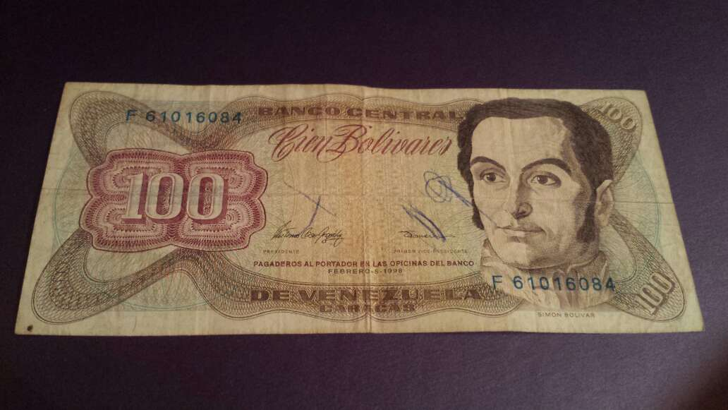 Imagen 100 bolívares serie F ó J