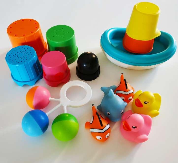 Imagen producto Pack 4 juegos baño bebé luces LED 8