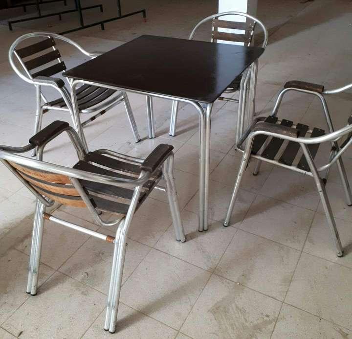 Imagen producto Sillas y mesa de terraza aluminiio  2