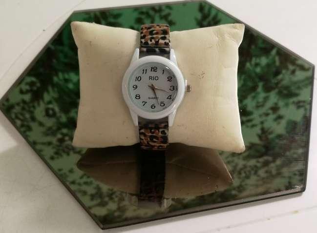 Imagen producto 47-Reloj Leopardo. 3