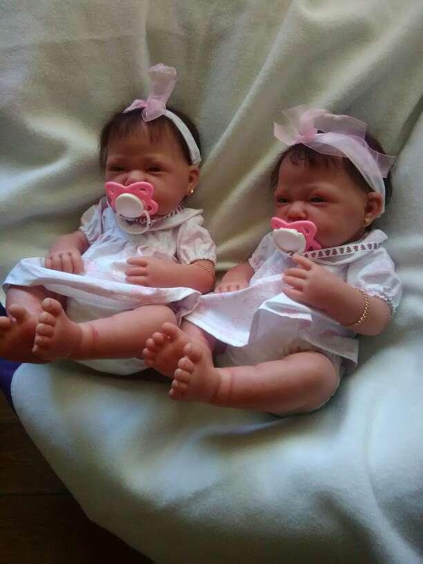 Imagen muñecas reales se venden