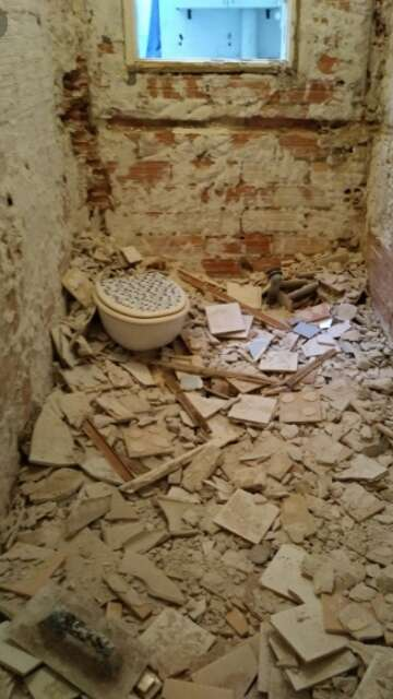 Imagen producto Derribos de baños casas etc 2