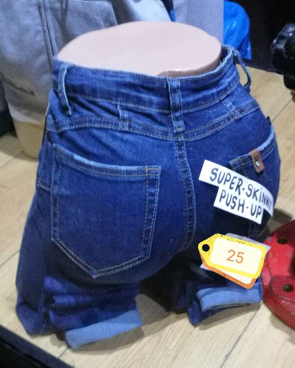 Imagen CT4-Pantalon Vaquero PUSH UP.