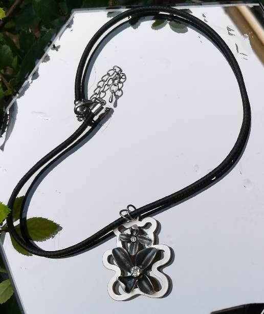 Imagen producto Collar Novedad 5