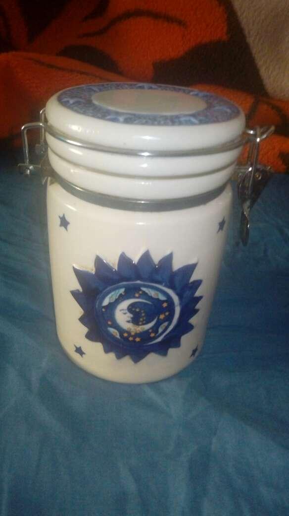 Imagen Tarro ceramica blanco y azul