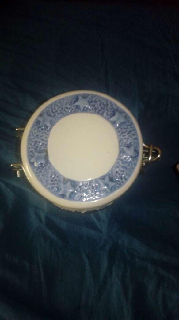 Imagen producto Tarro ceramica blanco y azul 2