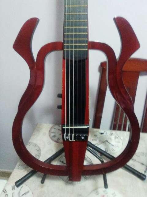 Imagen producto Guitarra electroclasica naylon. 2