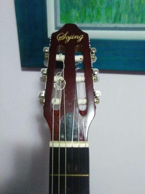 Imagen producto Guitarra electroclasica naylon. 4