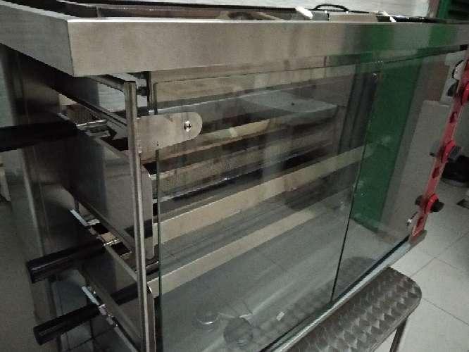 Imagen producto Asadora de pollos a gas natural 1