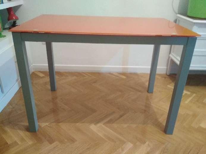 Mesa cocina cristal en Paseo de la Esperanza, Madrid - WENDOO