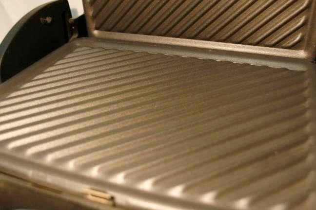 Imagen producto A estrenar grill delonghi cg134 3