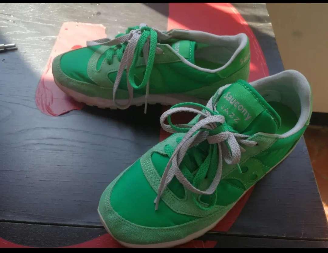 Imagen producto Zapatillas SAUCONY Verde manzana 2