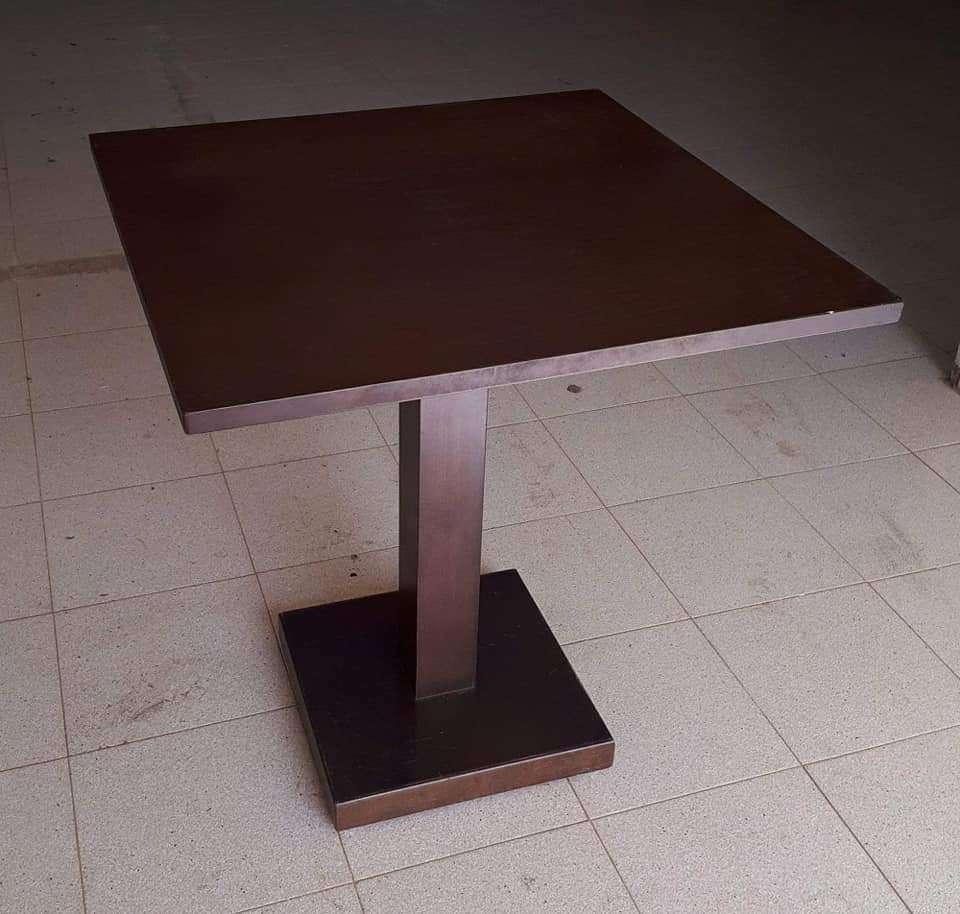 Imagen Mesas de bar dos modelos