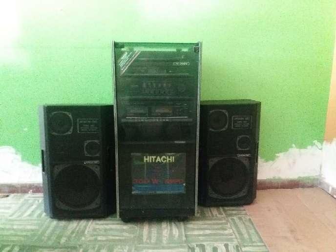 Imagen Equipo de sonido antiguo Hitachi