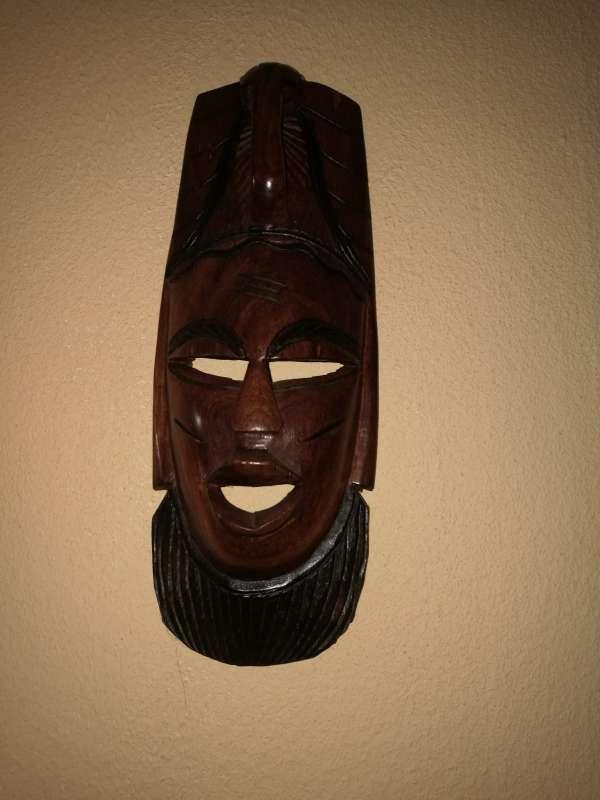 Imagen producto Mascaras y escudo y lanzas tribales 3