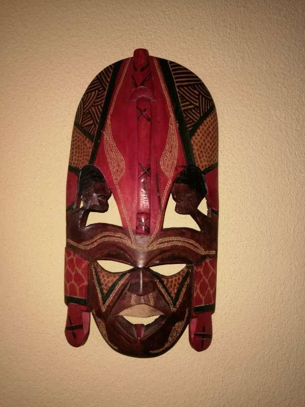 Imagen producto Mascaras y escudo y lanzas tribales 5